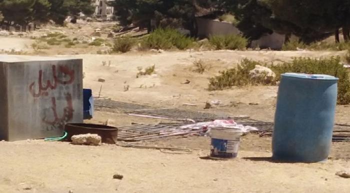 إزالة حظائر غير مرخصة في عمان - صور