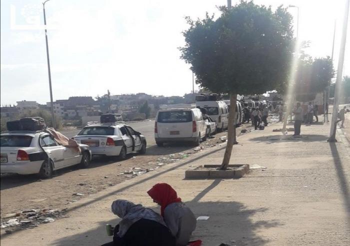 مئات العالقين الفلسطينيين بسيناء