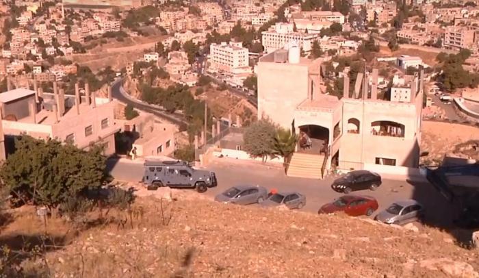 انتشال جثث 3 ارهابيين من تحت انقاض المبنى المهدم في السلط
