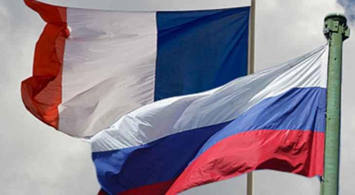 فرنسا تتهم روسيا بمحاولة التجسس على أحد أقمارها الاصطناعية