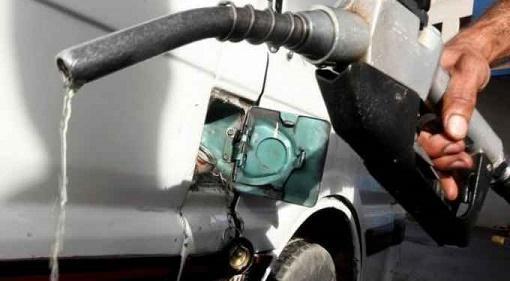 المواصفات تكشف عن حقيقة خفة البنزين والسولار بالمملكة