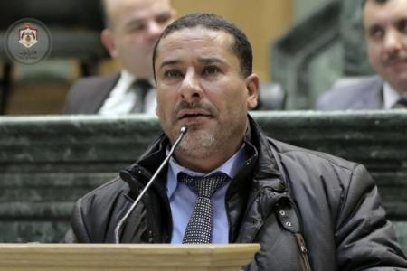 النائب الهواملة.. الرزاز وجه ضربة قاضية إلى رؤوس الأردنيين