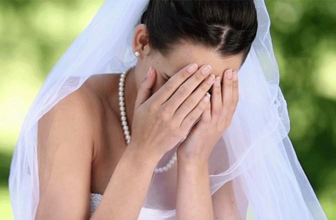 ترك عروسه في يوم الزفاف بسبب الواتسآب !