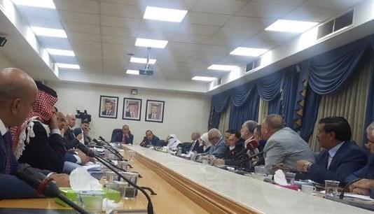 نواب يرفضون حجة الحكومة بشأن ضريبة البنوك