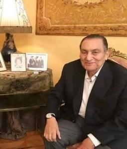مبارك يعلق على سجن نجليه