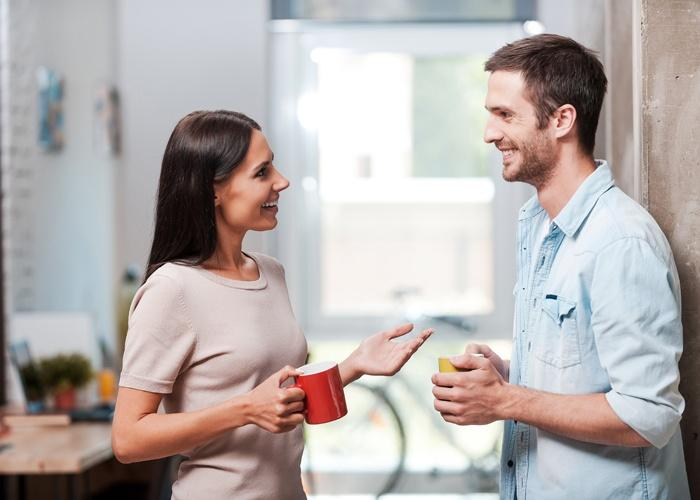خيط رفيع يفصل الحب عن الصداقة بين الرجل والمرأة
