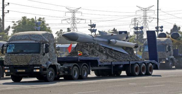 قتلى في هجوم استهدف عرضا عسكريا جنوب إيران