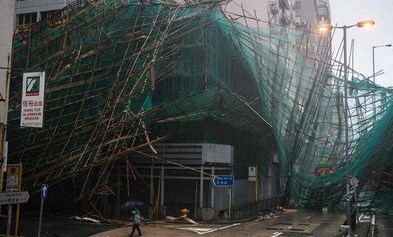 ملك العواصف يهدد الصين ويجلي الملايين جنوبي البلاد