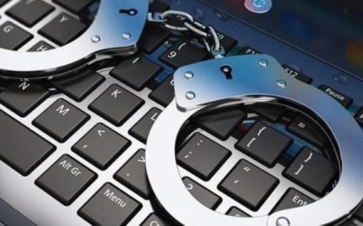 قانون الجرائم الإلكترونية جاء لحماية الفاسدين