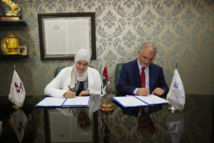 مدارس النظم الحديثة ومؤسسة الحسين للسرطان توقعان اتفاقيات برنامج رعاية