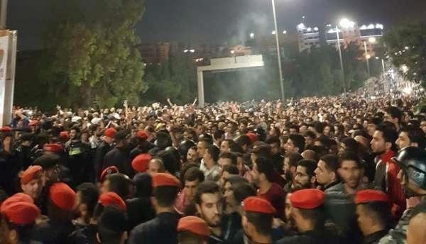 الأردنيون قلبوا ساعة الرمل في انتظار أخطر قرار لحكومة الرزاز
