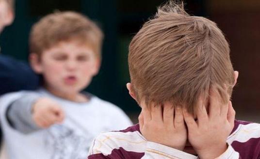 التنمر يتجاوز الطلبة ليحط ركابه بين المعلمين والإدارات المدرسية