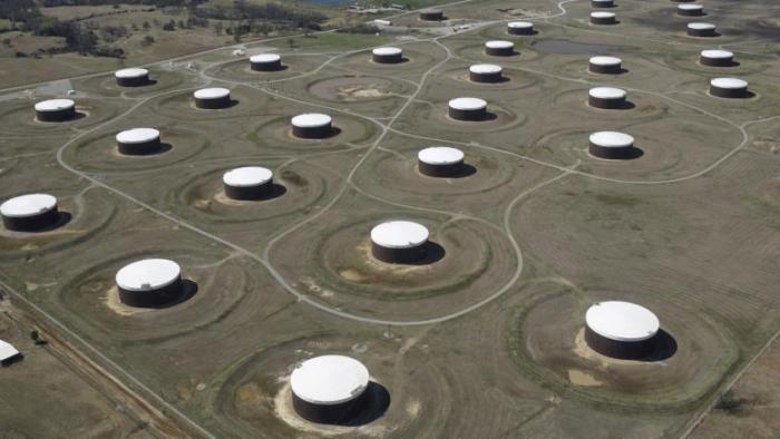 النفط يصعد لأعلى مستوى في 4 سنوات