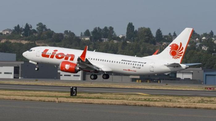 تحطم طائرة في اندونيسيا تقل 188 راكباً