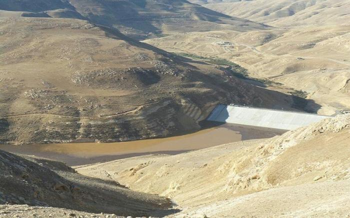 سلطة وادي الأردن تنفي قيامها بافراغ سد ماعين من المياه