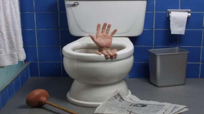 بعد أيام من الزواج.. عريس ينتحر بسبب ..المرحاض