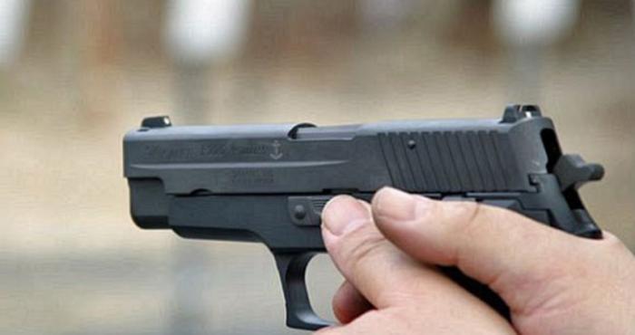 اب يقتل ابنه الثلاثيني رمياً بالرصاص في العقبة