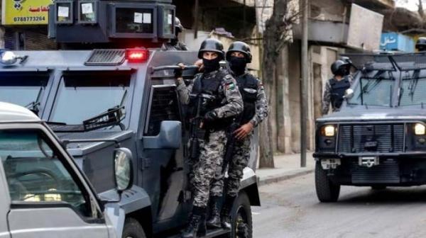 القبض على نائب بعد مداهمة امنية لمكتبه في جبل عمان