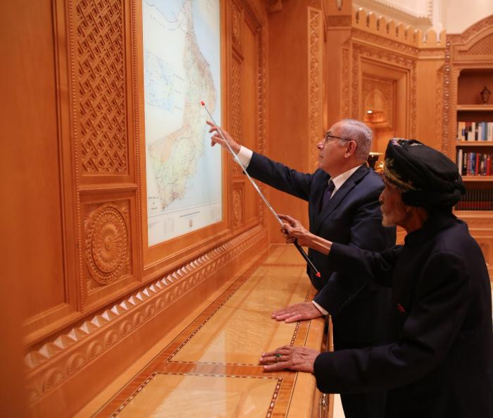 السلطان قابوس يلتقي نتنياهو في عٌمان - صور
