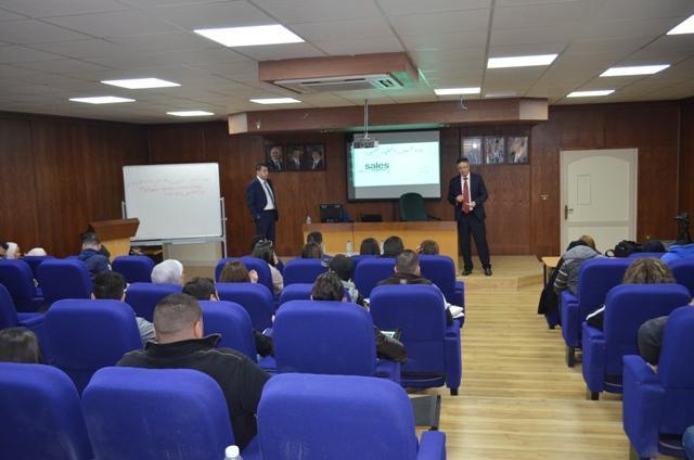 ورشة عمل بكلية الاعمال بجامعة عمان الاهلية حول إدارة المبيعات
