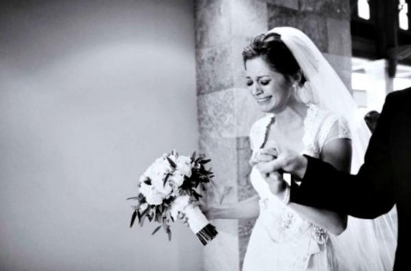 في أول يوم زفاف.. مي زوجها ضربها ضرب مبرح ليثبت لوالدته إنه رجل