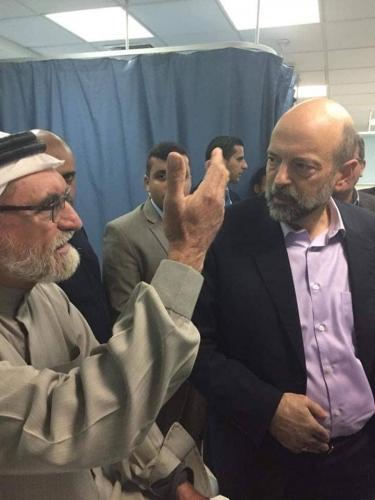 الرزاز في زيارة مفاجئة لمستشفى الكرك الحكومي