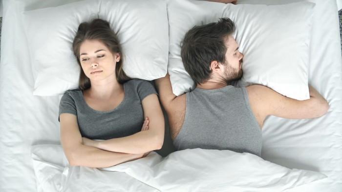 دراسة تكشف عن قاتل الشغف في العلاقة الزوجية!