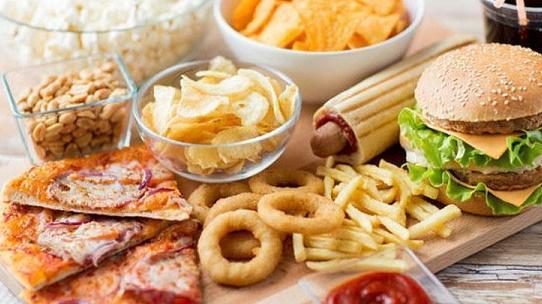 مجلس النواب يشتري وجبات طعام بـ 4 الأف دينار دون وجه حق