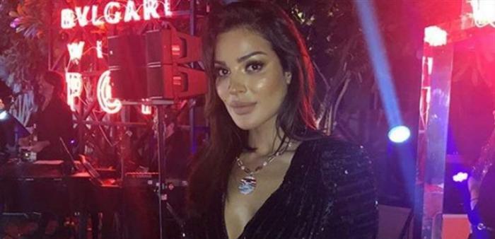 نادين نجيم تتألّق بفستان قصير جدًا في دبي (صور)