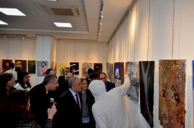 معرض فني في جامعة عمان الاهلية بعنوان