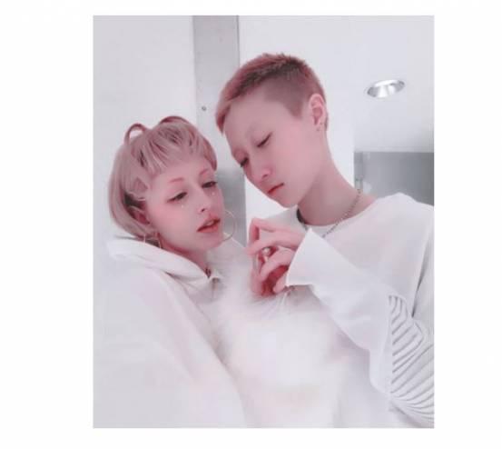 ابنة جاكي شان المثلية تتزوج من حبيبتها