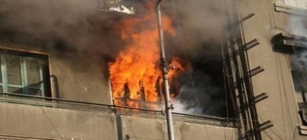 اطفال يحرقون منزلا بالكامل في جبل النظيف