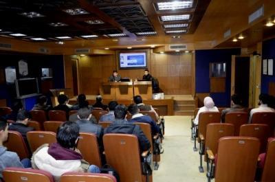 جامعة عمان الاهلية تستضيف الخبير بأمن المعلومات