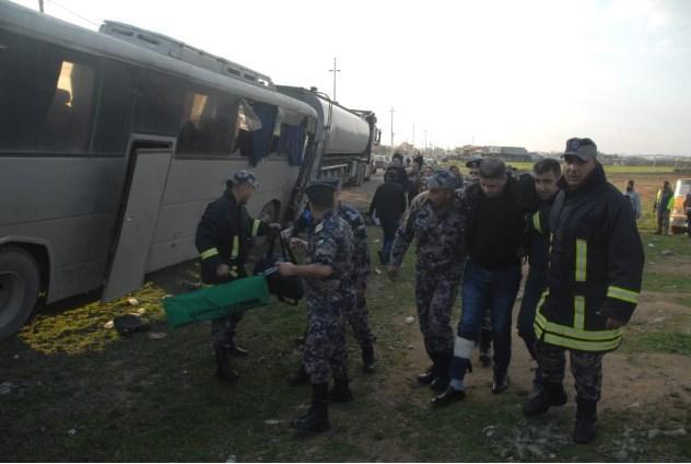 بالصور...إصابة (20) شخص إثر حادث في اربد