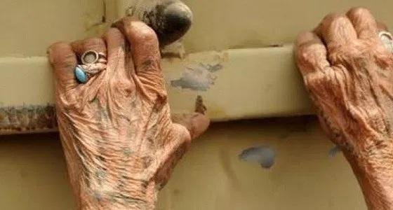 5 وحوش بشرية يغتصبون مسنة ثمانينية بعد ليلة تعذيب