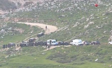 وزير الداخلية و كبار المسؤولين يتواجدون الآن في منطقة الحادثة بالسلط