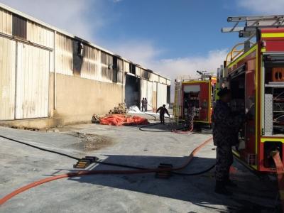 معان .. حريق في هنجر مصنع اسمدة