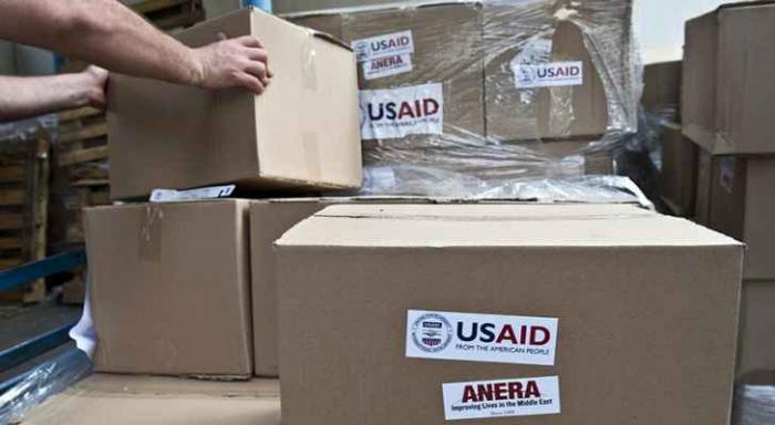 وقف جميع المساعدات الأمريكية المقدمة للفلسطينيين