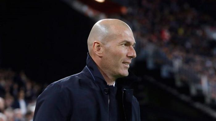 زيدان يقرر الاستغناء عن 5 لاعبين ويحسم موقف 3 آخرين في ريال مدريد