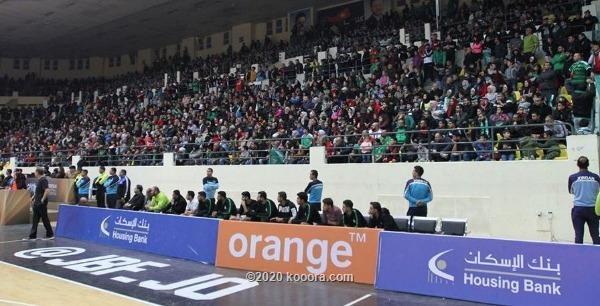 مشجع لبناني يتبرع ب 100 تذكرة لجمهور الوحدات