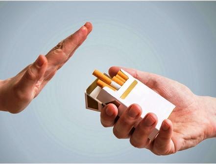 ما هي العلاقة بين إقلاع الرجل عن التدخين وزيادة وزنه؟