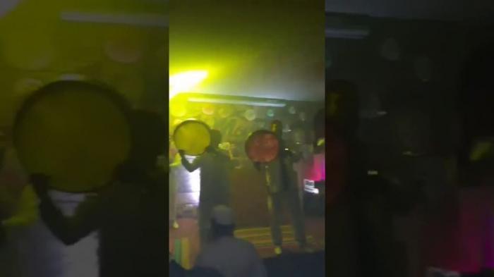 سُكر ورقص لفتيات شبه عاريات على أناشيد دينية في ملهى ليلى بتونس!