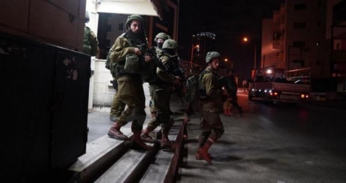 الاحتلال يقتحم بلدة عناتا ويعتقل 7 مواطنين من مخيم شعفاط