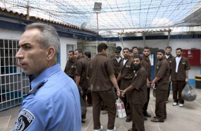 في ظل كورونا.. الاحتلال يواصل اعتقال 21 أردنيًا