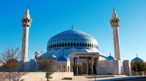 حقيقة فتح المساجد يوم الجمعة