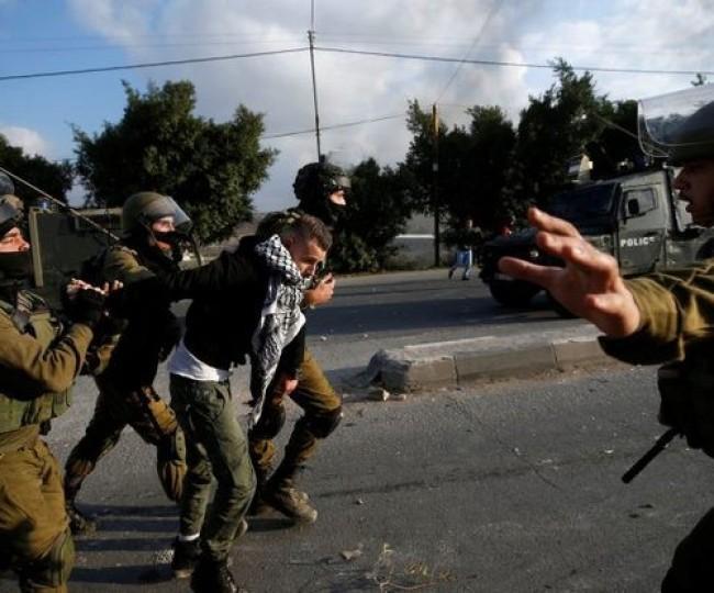 حملة هدم واقتحامات واعتقال 11 مواطنًا بالضفة والقدس