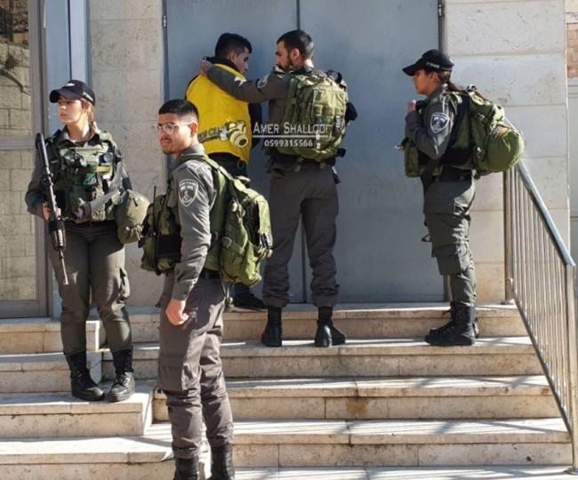 اعتقالات في الضفة تطال 14 مواطناً بعد حملة مداهمات واسعة