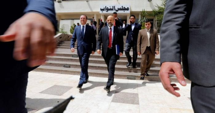 الحكومة والنواب مغادرون و لا تعديل وزارياً قبل الرحيل