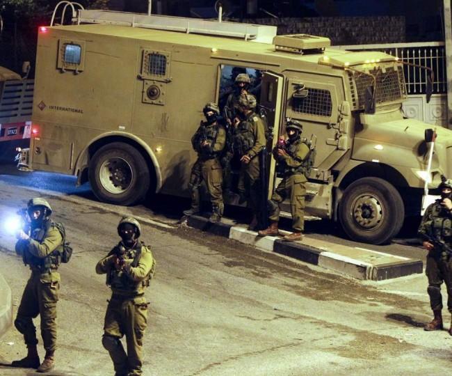 اعتقالات واسعة في الضفة بعد حملة مداهمات