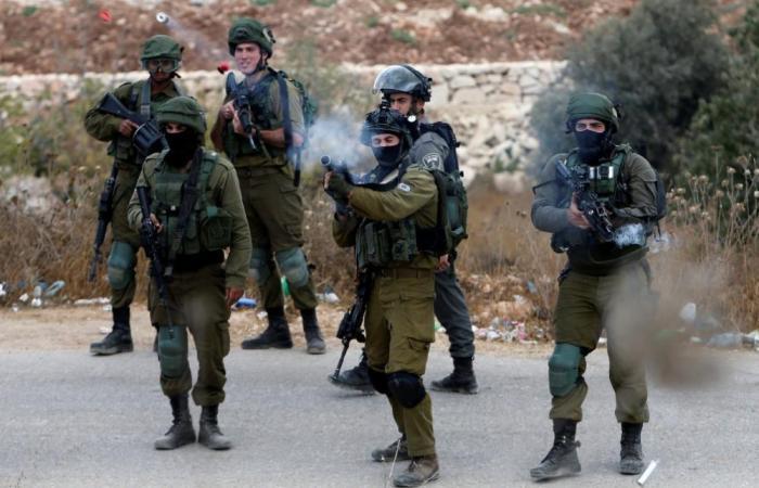 إصابة 25 فلسطينيا إثر اطلاق الاحتلال الغاز السام على مستشفى الخليل